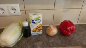 Продукты для приготовления соуса к лапше по-японски