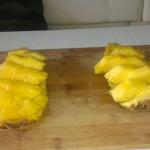 Нарезанный по всем правилам ананас